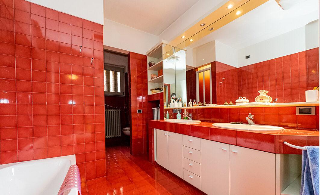 31.foto.bagno rosso