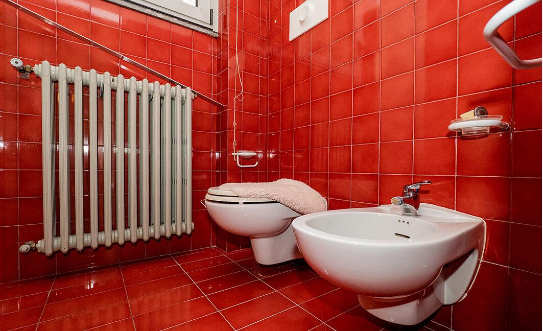 34.foto.bagno rosso